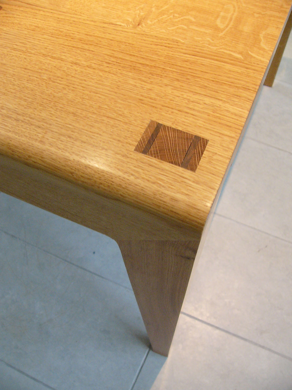 smith_table_detail_1.jpg