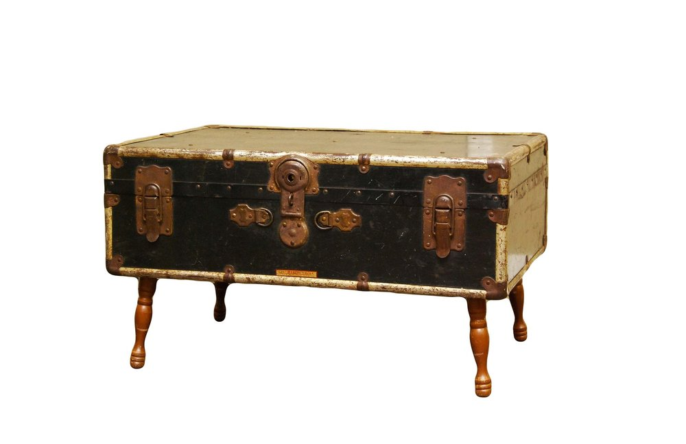 SULTAN Vintage Trunk Table