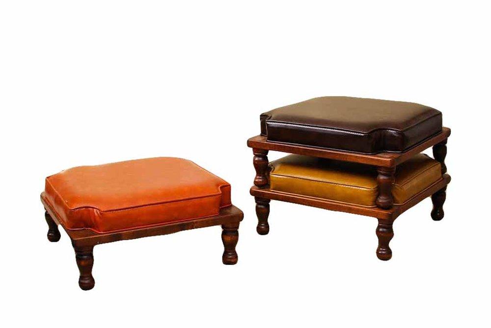 TRIO lounge stools (3)