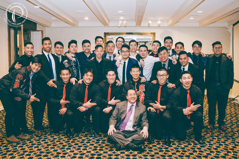 A group photo with their awesome advisor, Alex Yin.