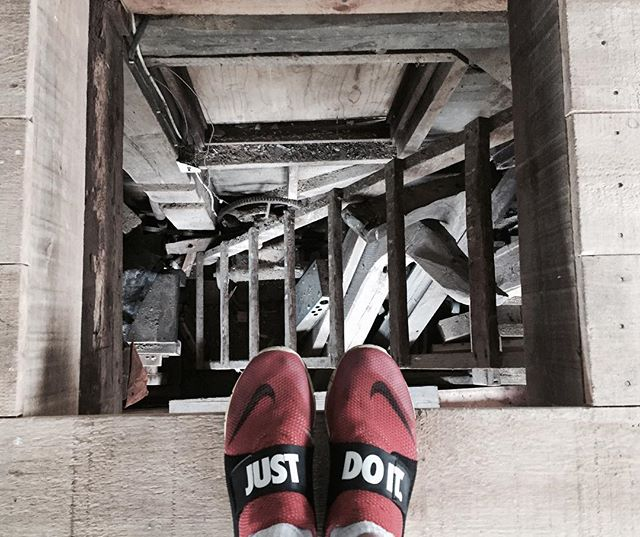 Just do it. 📉✔️ #justdoit #nike #flyknit #stairs #antique #shoes #novascotia