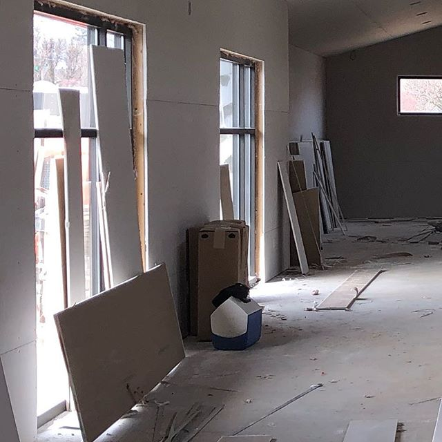 Lookie, lookie... drywall is well underway at the new Dudas Fitness location at Old Hwy 94 and Jungermann! #justdudas #dudasfitness #personaltrainer #stltrainer #areteaccelerator #aretesyndicate #iamarete #personaltraining #newconstruction #dreambig #riskandreward #dreambigger #entrepreneur #entrepreneurship #buildyourfuture