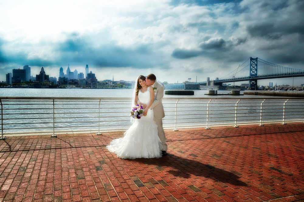 Camden Aquarium riverfront / Meyer Photography