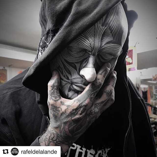 Check out our silicone mask, tattooed by @rafeldelalande for @art_tattoo_collection's private collection! #sevendoorstattoo #rafeldelalande #siliconemask #tattooedface #facetattoo #tattooed #deathmask #tattooedsilicone #thinggallery #artcollection