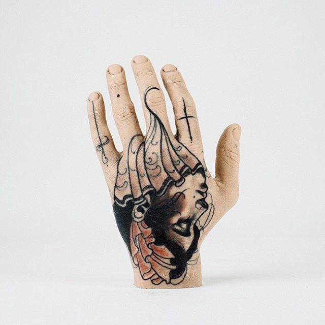 One of our favourites of the gallery, @timtavaria's Thing is now available to bid on through our auction! Ends in 4 days! #galleryexhibition #gallerysale #austattoofestival #tattooart #silicone #siliconeart #siliconehand #siliconemould #tattoo #tattooart #tattooed #tattooedhand #handtattoo #curiousart #thinggallery