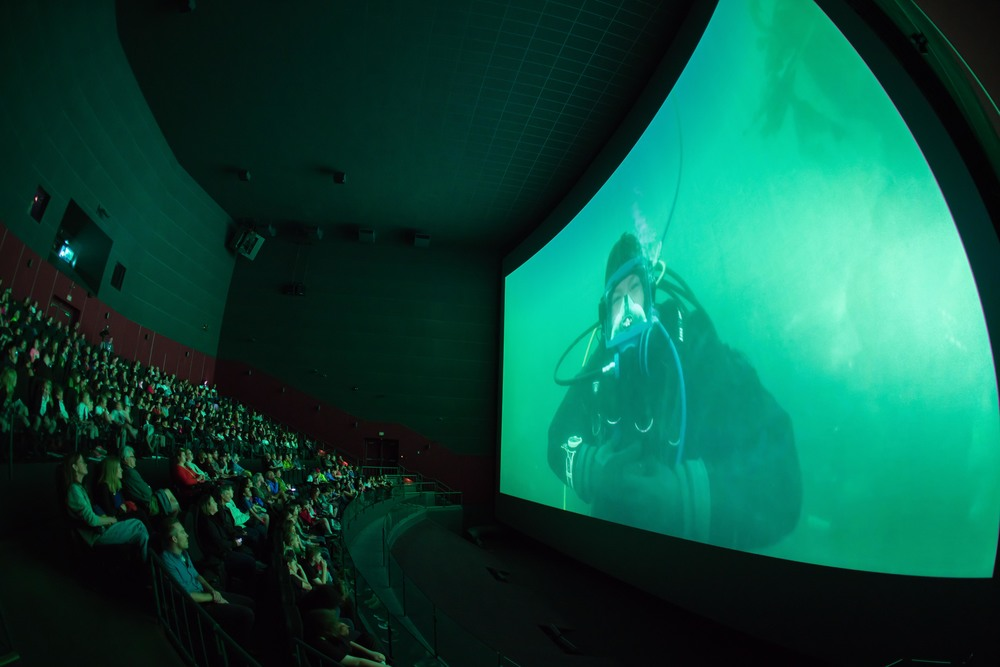 IMAX Victoria was busy on June 8, 2016 for world oceans day. 4,000 students online and 5 venues across canada joined us for this proof of concept.