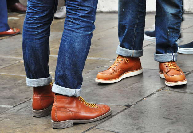 thetieguy :     red wingers.