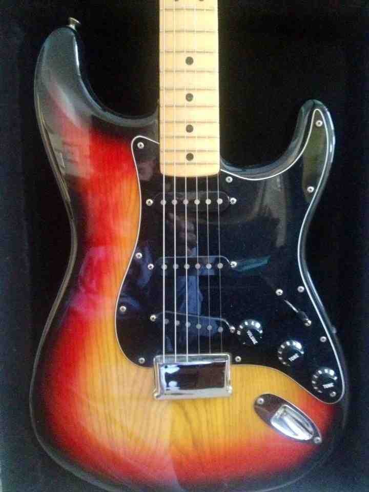 1979 Fender Stratocaster courtesy of Darren Debing.jpg