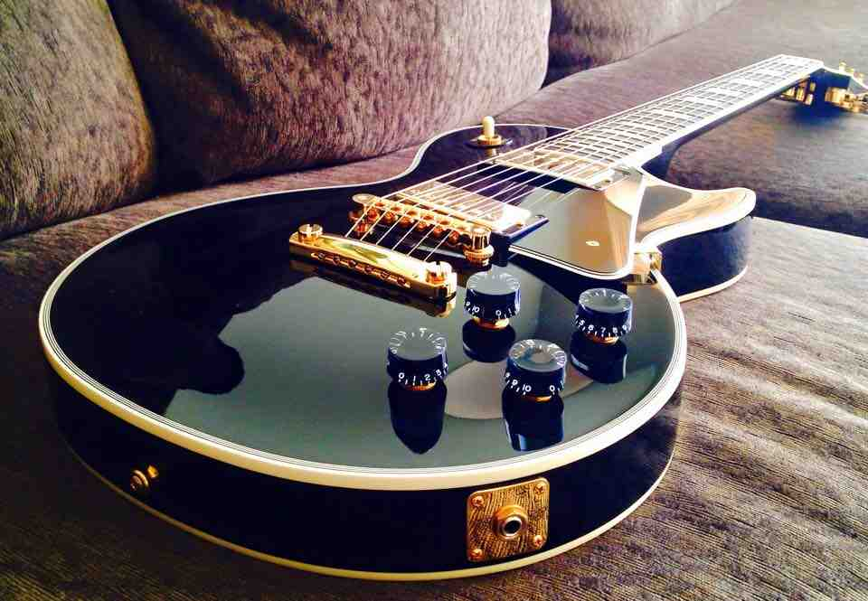 Gibson Les Paul Custom courtesy of Dean Bergeron.jpg