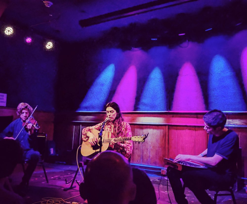 julie byrne | schubas, chicago | 7.20.17 | @thefaakehipster
