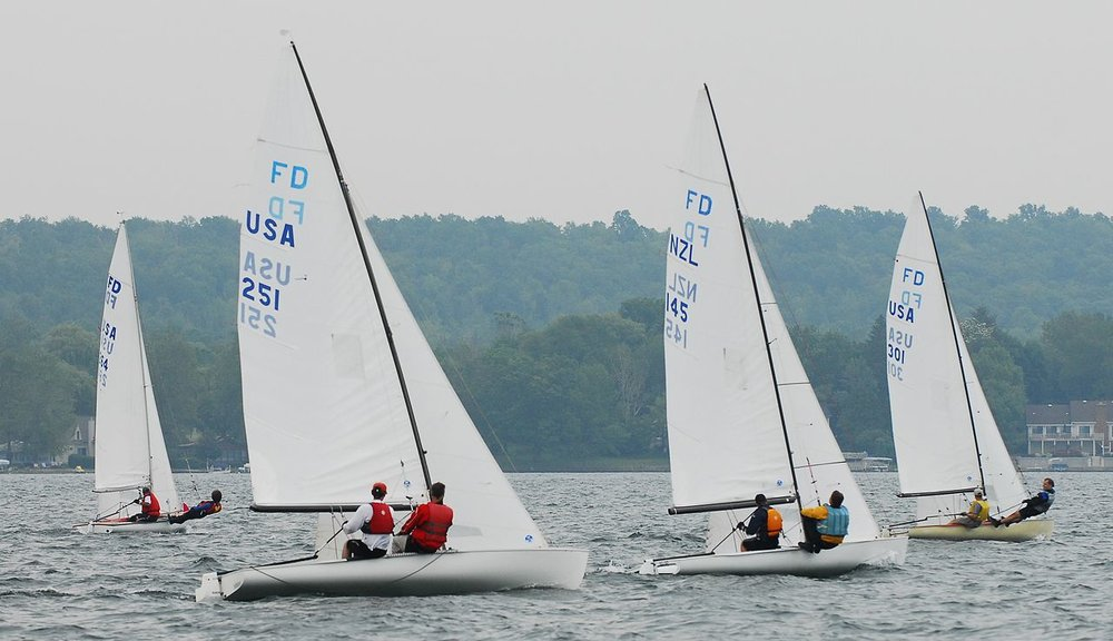 1280px-Flying_Dutchman_NY_2008_regatta.jpg