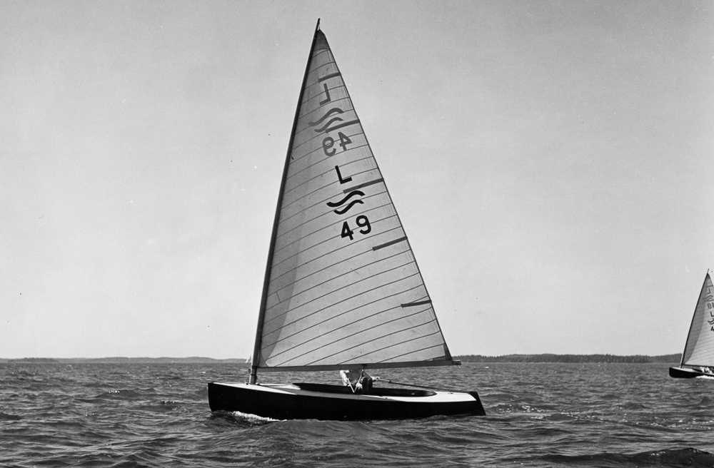 ....Finn dinghy L49 in 1956. Photo: ASS..Finn L49 vuonna 1956. Kuva: ASS....