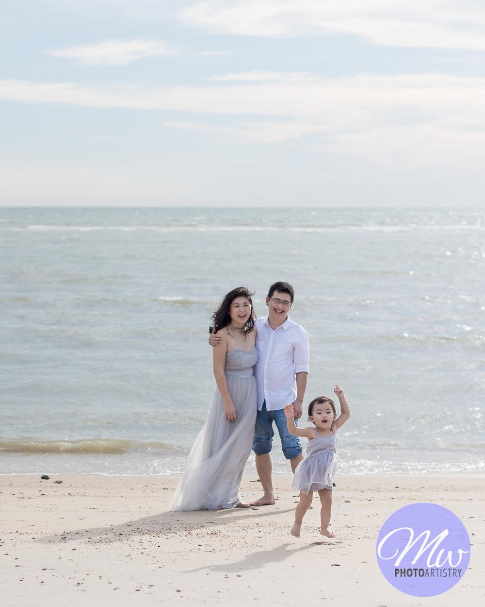Kuala Lumpur Kuching Malaysia Lifestyle Family Photographer Beach Photo 28.jpg