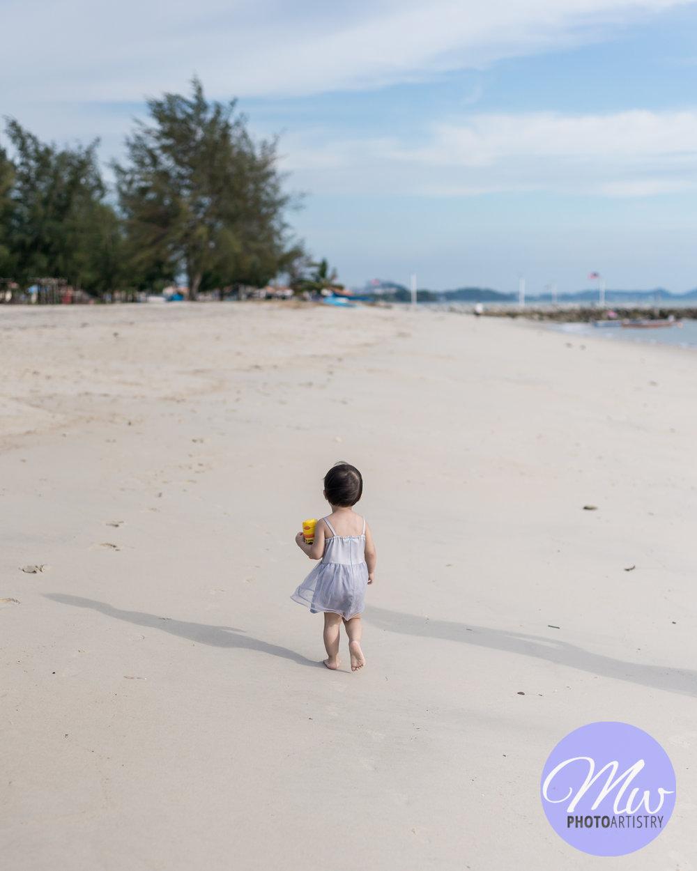 Kuala Lumpur Kuching Malaysia Lifestyle Family Photographer Beach Photo 32.jpg