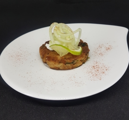 POTATO TIKKI WITH SPIRALISED CUCUMBER RELISH