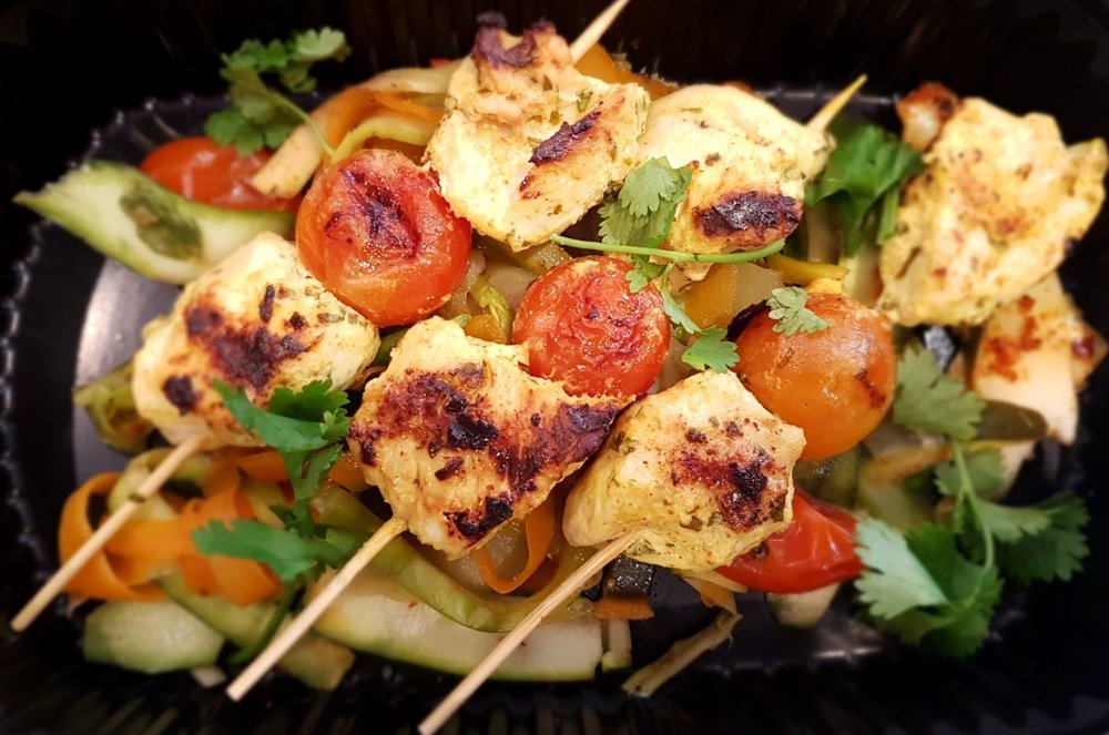 Chicken Tikka on a Spicy Vegetable Ribbon