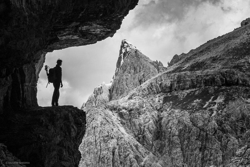 Il passaggio più spettacolare della  Strada degli Alpini _ Val Fiscalina Dolomiti_ (vedi anche foto di copertina) _ foto  @giuseppeghedina.com