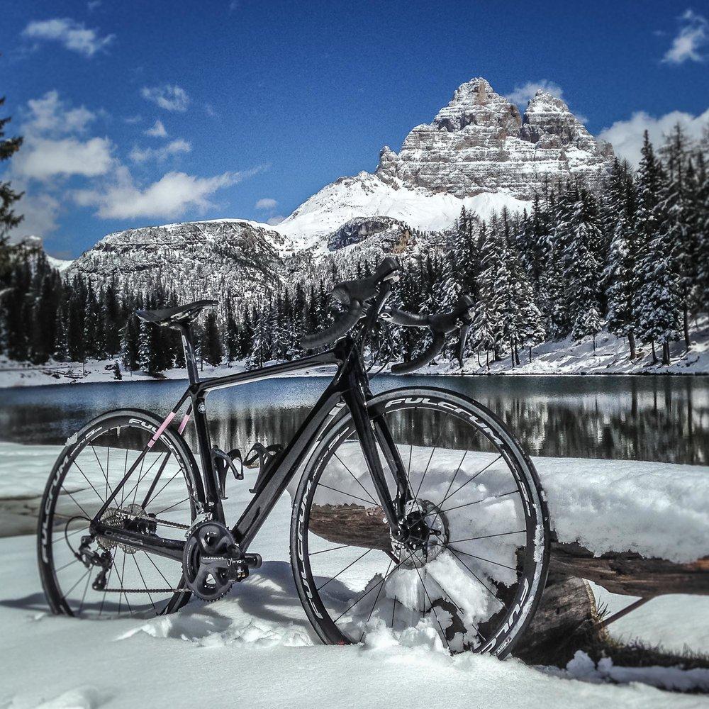 Neve primaverile al lago d'Antorno