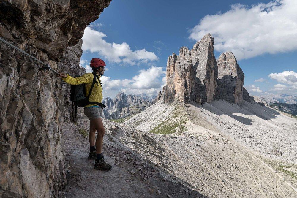 Nel primo tratto del sentiero attrezzato delle gallerie del Monte Paterno _ PHOTO  © GIUSEPPE GHEDINA