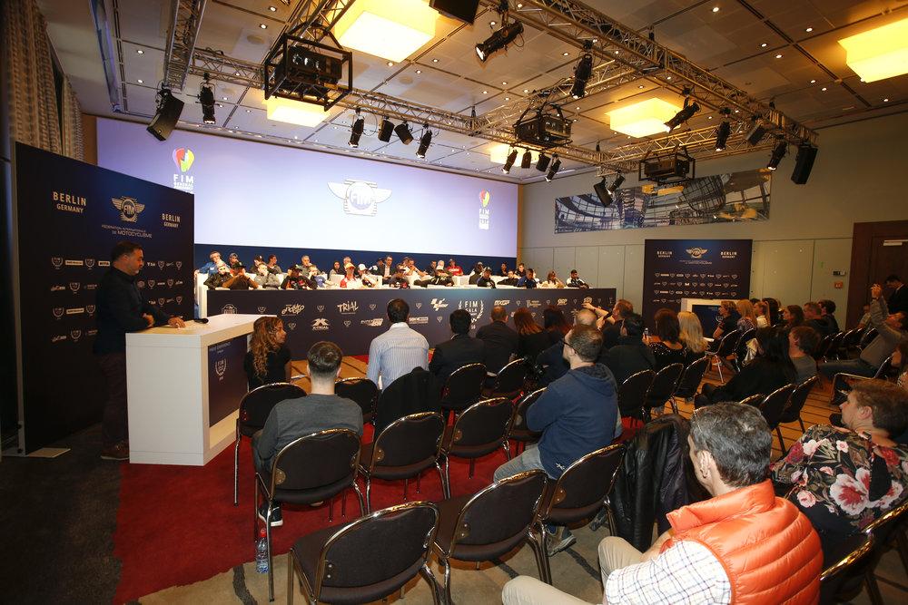 394_FIM_gala_2016_Press,Conference.jpg