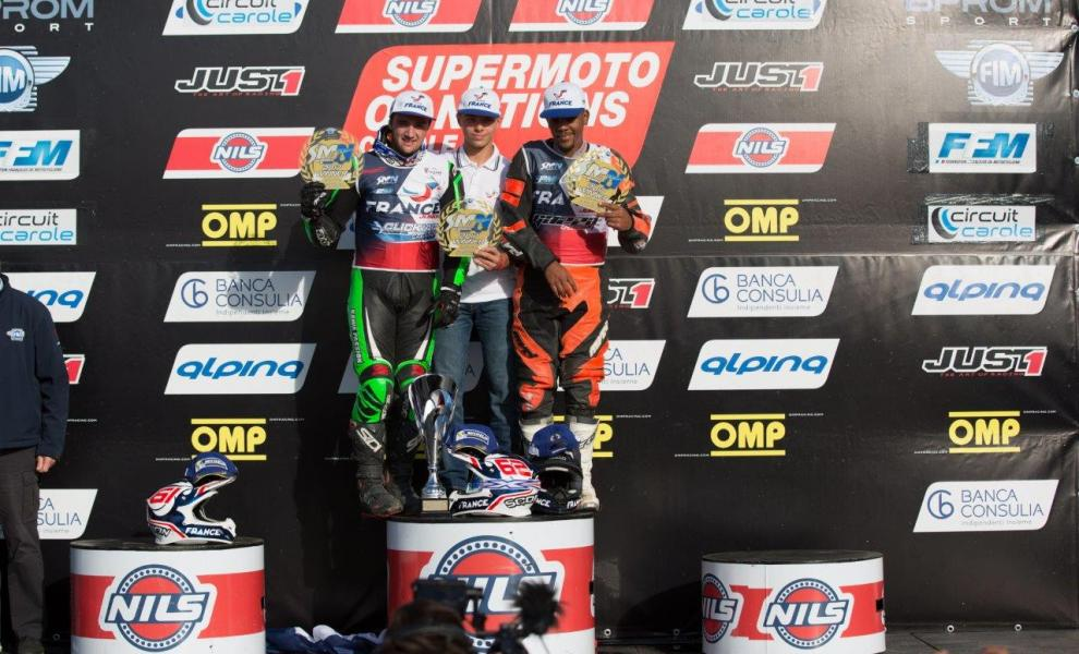 podium_(c)supermotos1_com.jpeg