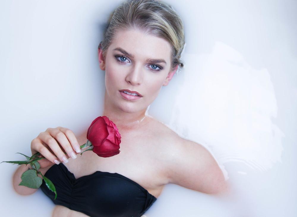 Laura Bath & Flowers -38.jpg