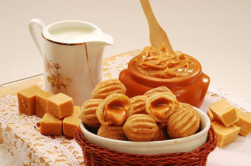 Dulces  Churros   Tortas (en breve)  Conozca nuestros nuevos preferidos: los dulces caseros. hechos artesanalmente con cariño y con los mejores ingredientes, ellos son perfectos para conmemorar una fecha especial, para cerrar con llave de oro aquel almuerzo en familia o solamente para endulzar el día.