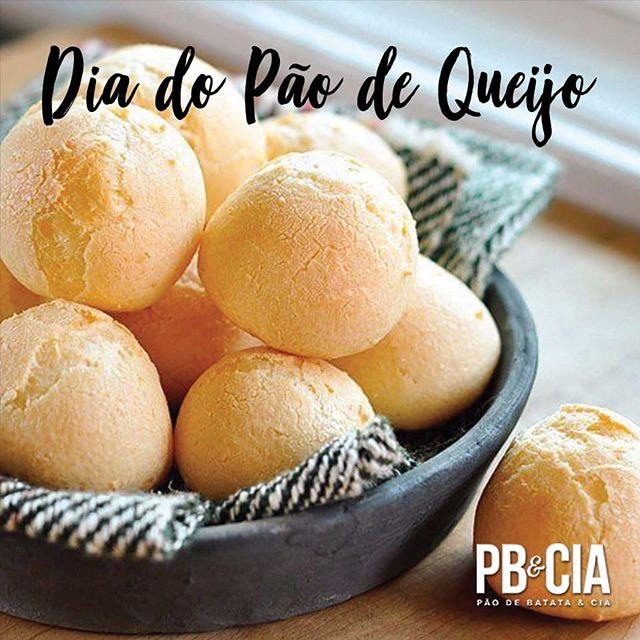 Hoje é dia do amor e, não por acaso, também é dia do queridinho das manhãs e tardes, o pão de queijo! 😍 #paodequeijo #diadoamor #osmelhoressalgados #pbecia #deliciasdopao Ligue já! 11 4070 5000 ou Whatsapp 11 95327-8987 ou envie um e-mail para vendasonline@pbecia.com (apenas SP e ABC)