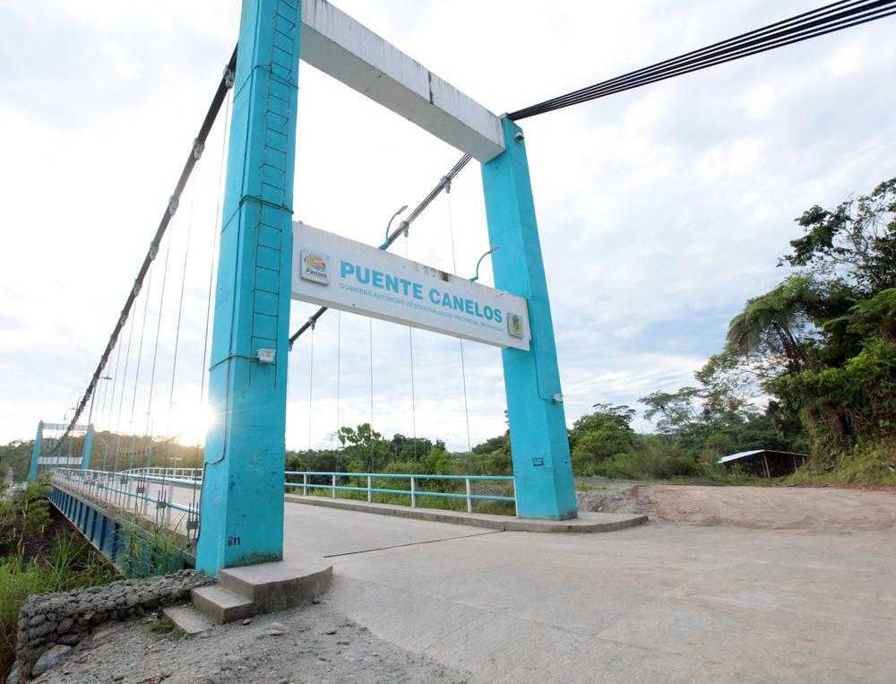 2015_6_27_Ecuador_Canelos_Bridge.jpg