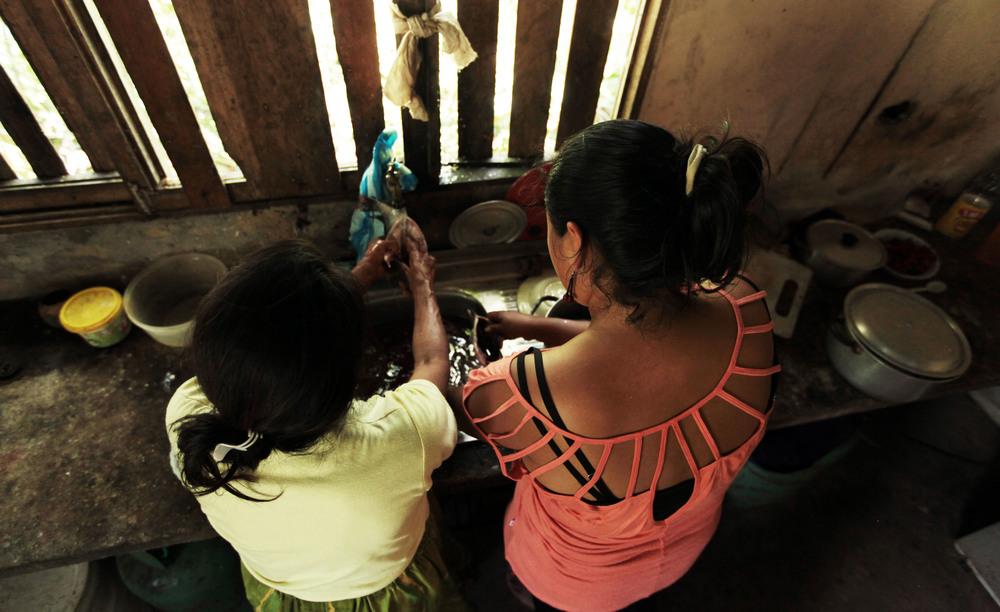 2015_6_27_Ecuador_Canelos_FishPreparation.jpg