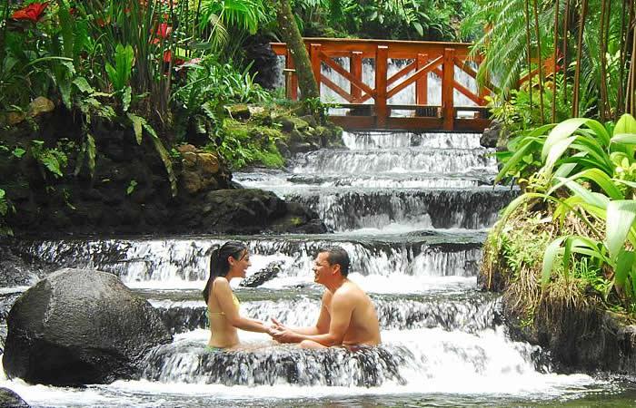 Costa-Rica-Honeymoon-And-Couples-Amazing-Vacations.jpg
