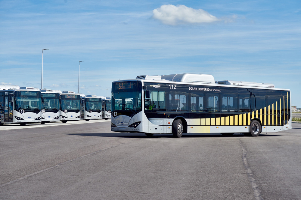 Schiphol Airside Bus Exterior 01.jpg
