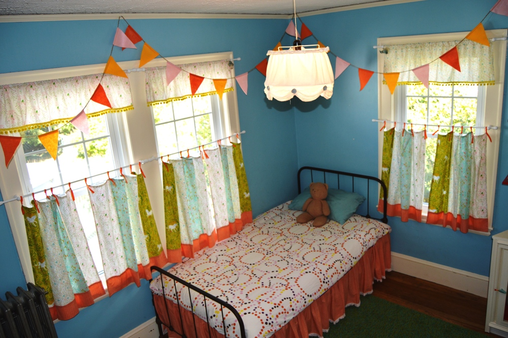 the styles of kids curtains range from cafe and valances to customized panels of every length we offer cordless roman shades with blackout linings for