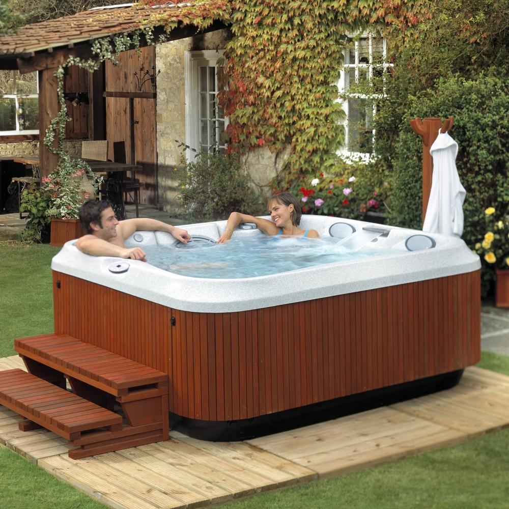 Hot-Tubs-Jacuzzi.jpg