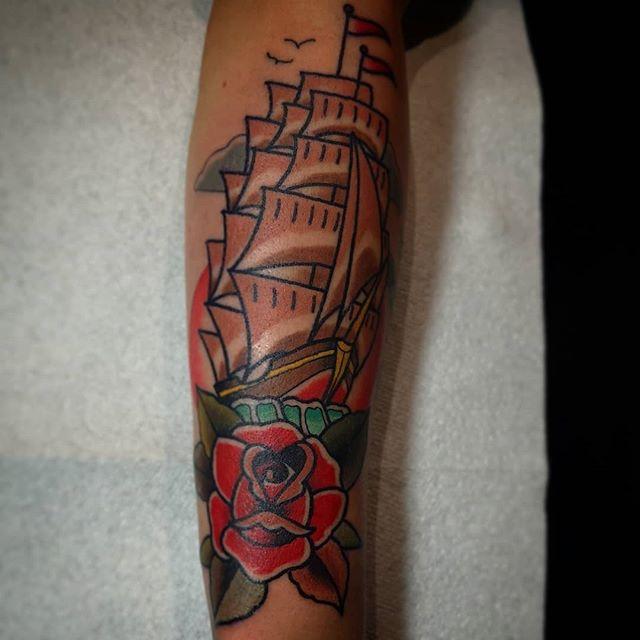 #tattoo #traditionaltattoo #tradtattoo #ink #art #neotrad #neotradtattoo #neotradsub #westmidlands #wolverhampton  #wolverhamptontattoo  #brum #birmingham #like #follow #share #colourtattoo #shiptattoo  #ship #rosetattoo #rose