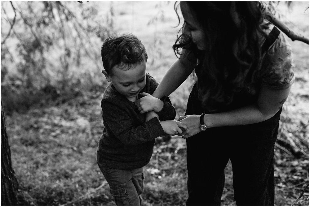 collingswood-new-jersey-motherhood-mini-photo-session_0020.jpg