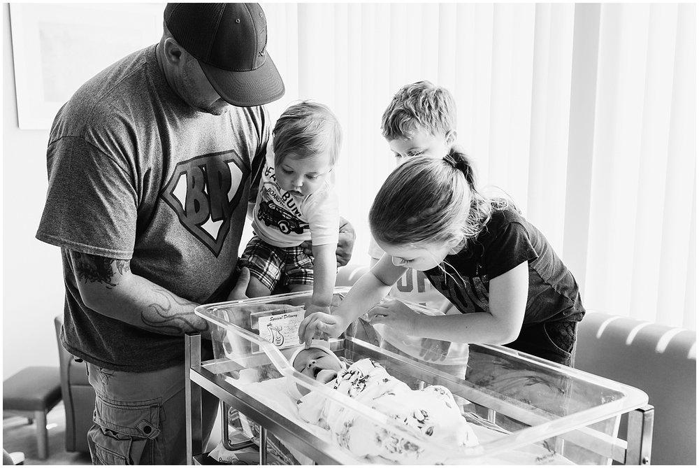 collingswood-new-jersey-fresh48-newborn-hospital-photographer_0058.jpg