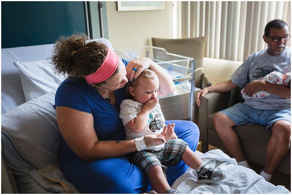 collingswood-new-jersey-fresh48-newborn-hospital-photographer_0077.jpg