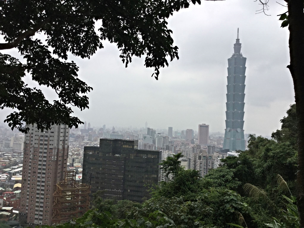 i took this great shot of Taipei's skyline from a viewpoint on Elephant Mountain.