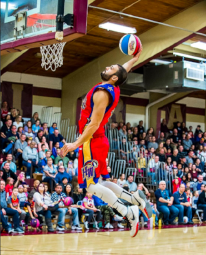 Mike playing for the World Famous Harlem Wizards '16