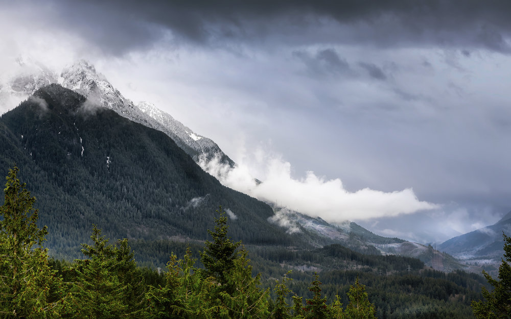 View from the top of the Heybrook Lookout Trail in the Central Cascades. Photo © Sony Thomas.