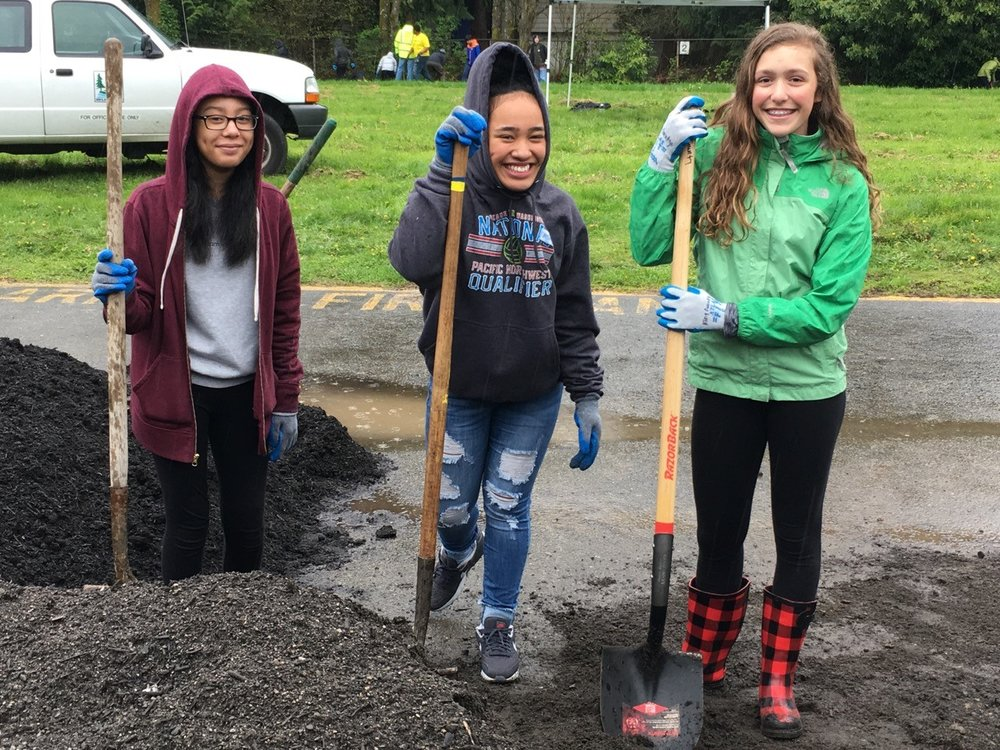 Students at the planting day. Photo by Washington Green Schools