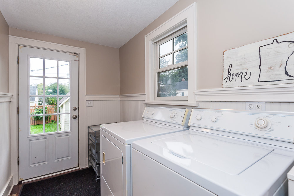 Main floor: Full size washer and dryer