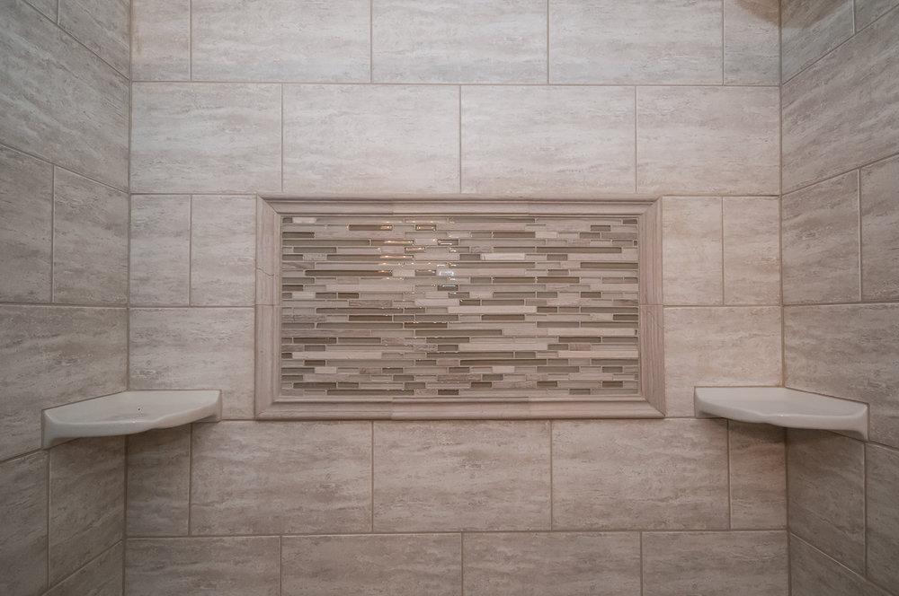 Newly Remodeled Full Bathroom