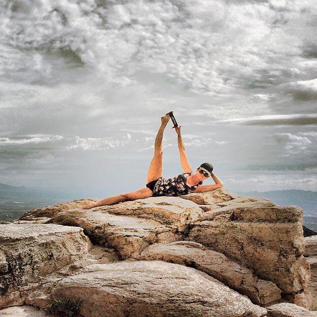 Rock bottom became the solid foundation on which I rebuilt my life~JK Rowling #jevinyoga #jevinyogaprop #yoga #propyourpose #propyouryoga #yogalife #yogajourney #rockbottom #yogalove #mountlemmon #tucson #yogagirl #yogadaily #yogaeverydamnday #yogainmyfifties #yogaover50 #yogaafter50 #yogaoutside #yogaoutdoors #yogagram #ontopoftheworld