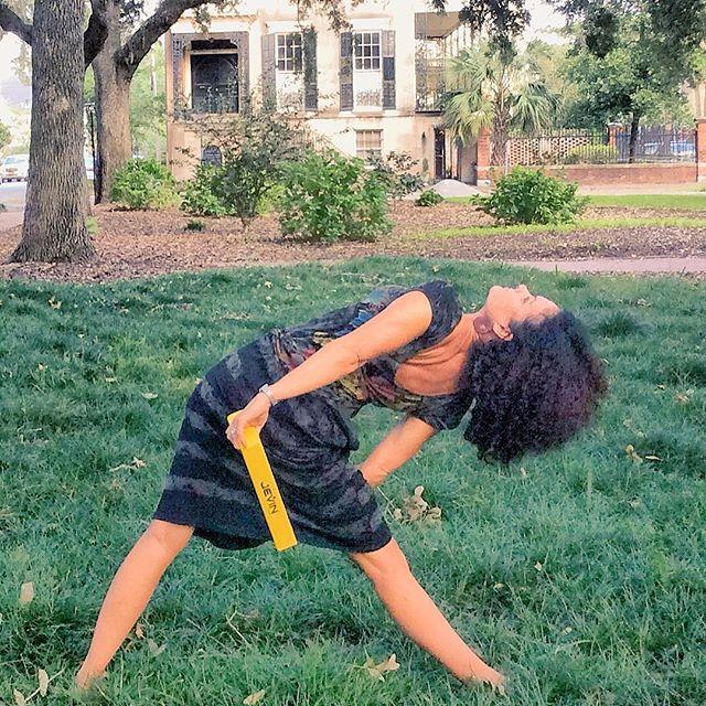 Never let your mind tell your heart not to wander #jevinyoga #savannah #georgia #yoga #trikonasana #boundtriangle #propyourpose #yogaprops #propyouryoga #yogaover50 #yogaafter50 #yogainmyfifties #yogafun #wander #roaming #exploringsavannah #yogaeverydamnday #travel #yogalover #yogalove #yogalife #igyoga #instayoga #yogini #yogagram #yogagirl