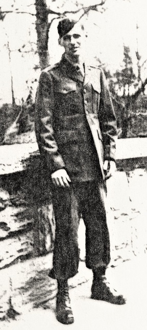 Frank Conlin in his paramarine fatigues and jump boots, March 1943.