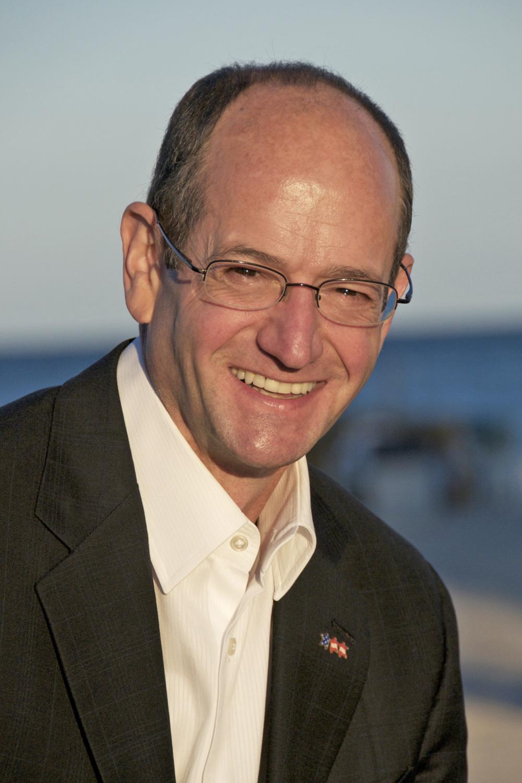 Hal  Ornstein