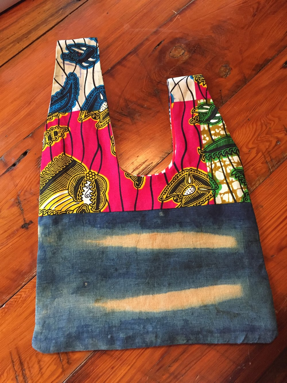 A handbag made by Karen from indigo-dyed linen and African wax-print fabric.