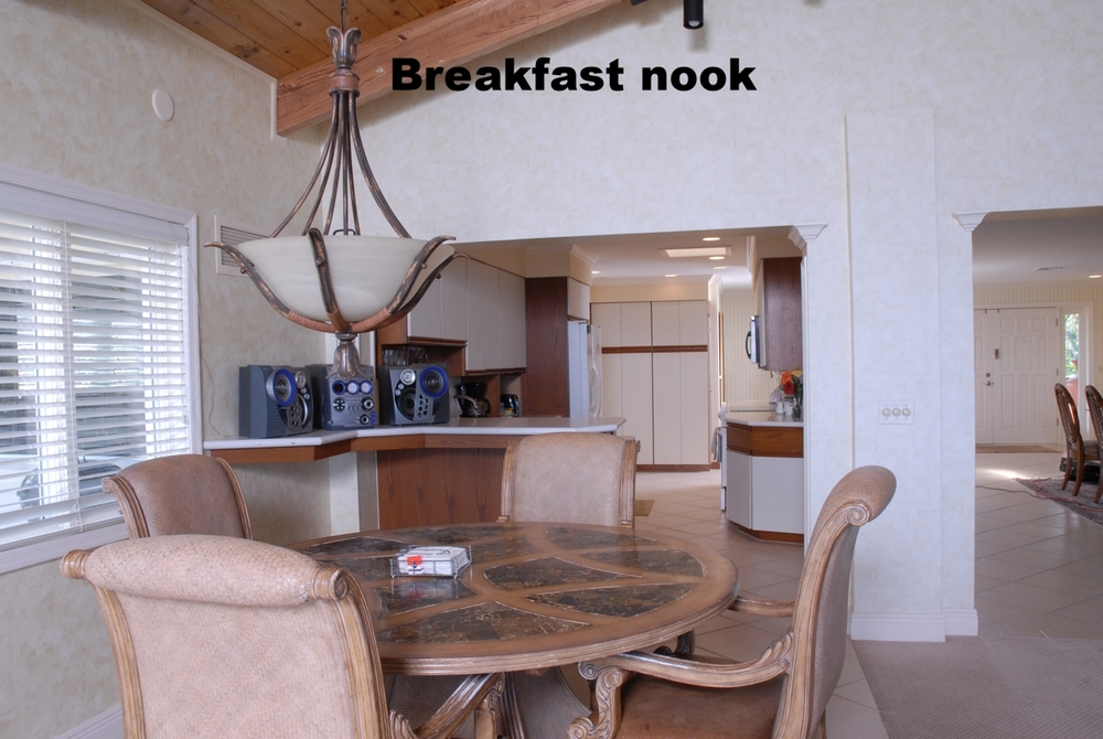Breakfast Nook 09.jpg
